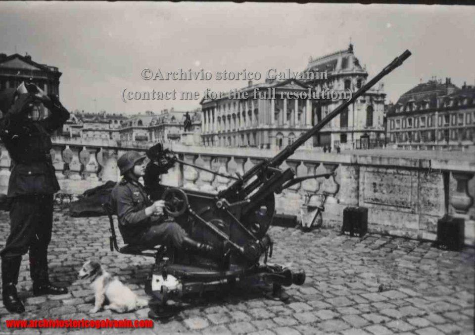 Versailles 1940, Versailles ww2, Versailles occupation, Versailles chateu, castello di Versailles seconda guerra mondiale, Versailles 1944, Flak versailles