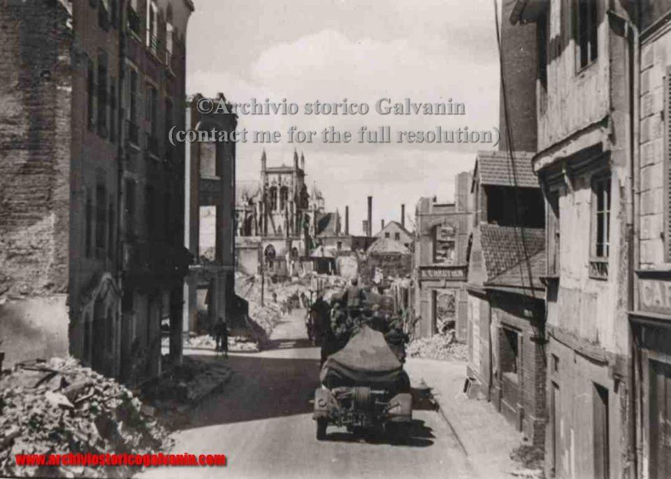 louviers, Louviers 1940, Louviers ww2, Louviers Normndie, Louviers occupation, Louviers seconda uerra mondiale, opel blitz, flak, Campagna di Francia, Fall gelb