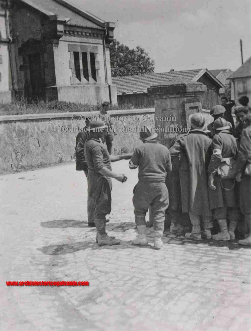 Sedan, Sedan 1940, Sedan ww2, Sedan battaglia, sedan blitzkrieg, Campagna di Francia, Bulson battle, battaglia di Bulson, Maginot linea, 1940 frankreick, prisoners, prigionieri sedan, prigionieri francesi