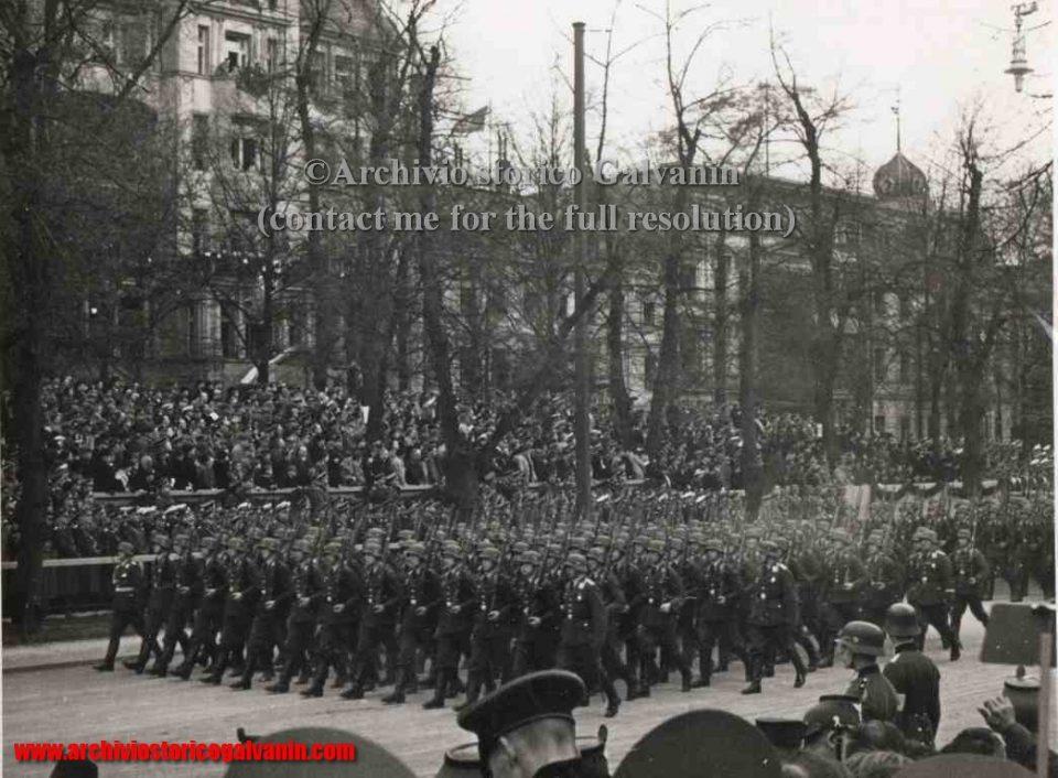 Champs-Elysées 1940, Champs-Elysées 1941, Champs-Elysées 1942, Champs-Elysées 1943, Champs-Elysées 1944, paris 1940, Paris occupied, parigi occupata, Frankreich 1940