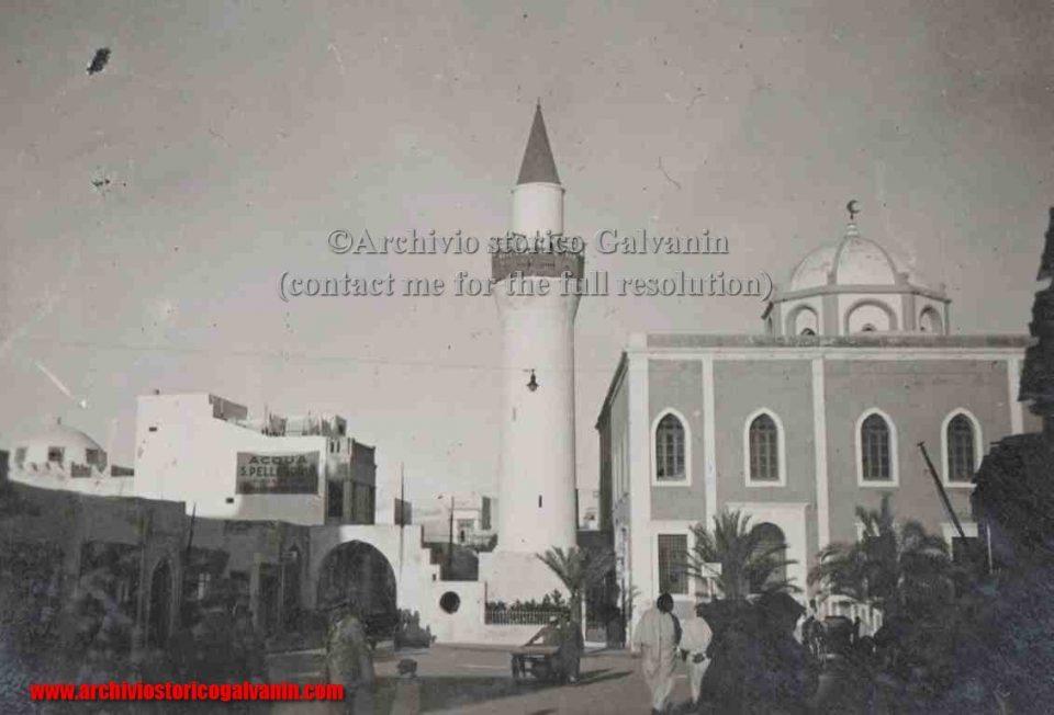 Bengasi 1936, Bengasi 1940, Bengasi 1941, Bengasi 1942, Libia Italiana, colonialismo italiano, guerra italo-turca, acqua San pellegrino, chiesa colonica, architettura coloniale