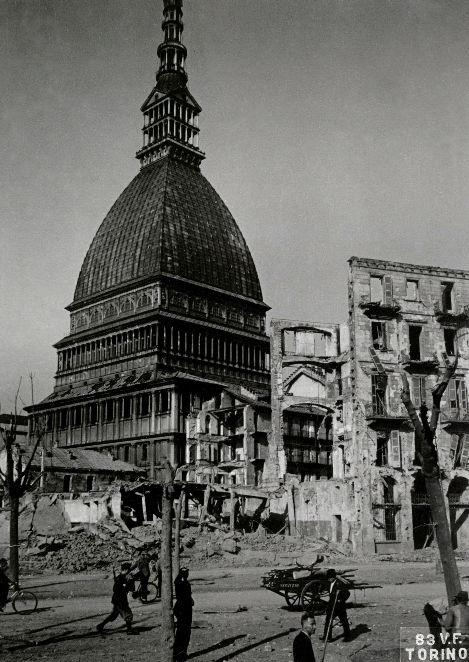 Torino 1944, Torino 1943, Torino 1945, bombardamenti seconda guerra mondiale, Milano 1943, Milano 1945, Milano 1944, danni bombardamenti, Bombardamenti a tappeto, Bombardamenti a Napoli, bombardamenti città italiani seconda guerra mondiale