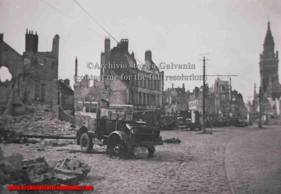 Dunkirk 1940, Dunkerque 1940, Dunkerque ww2, Dynamo operazione, campagna di Francia, bombardamenti seconda guerra mondiale, mezzi inglesi seconda guerra mondiale, centro di Dunkerque, 1940, Blitzkrieg, Dunkirk film
